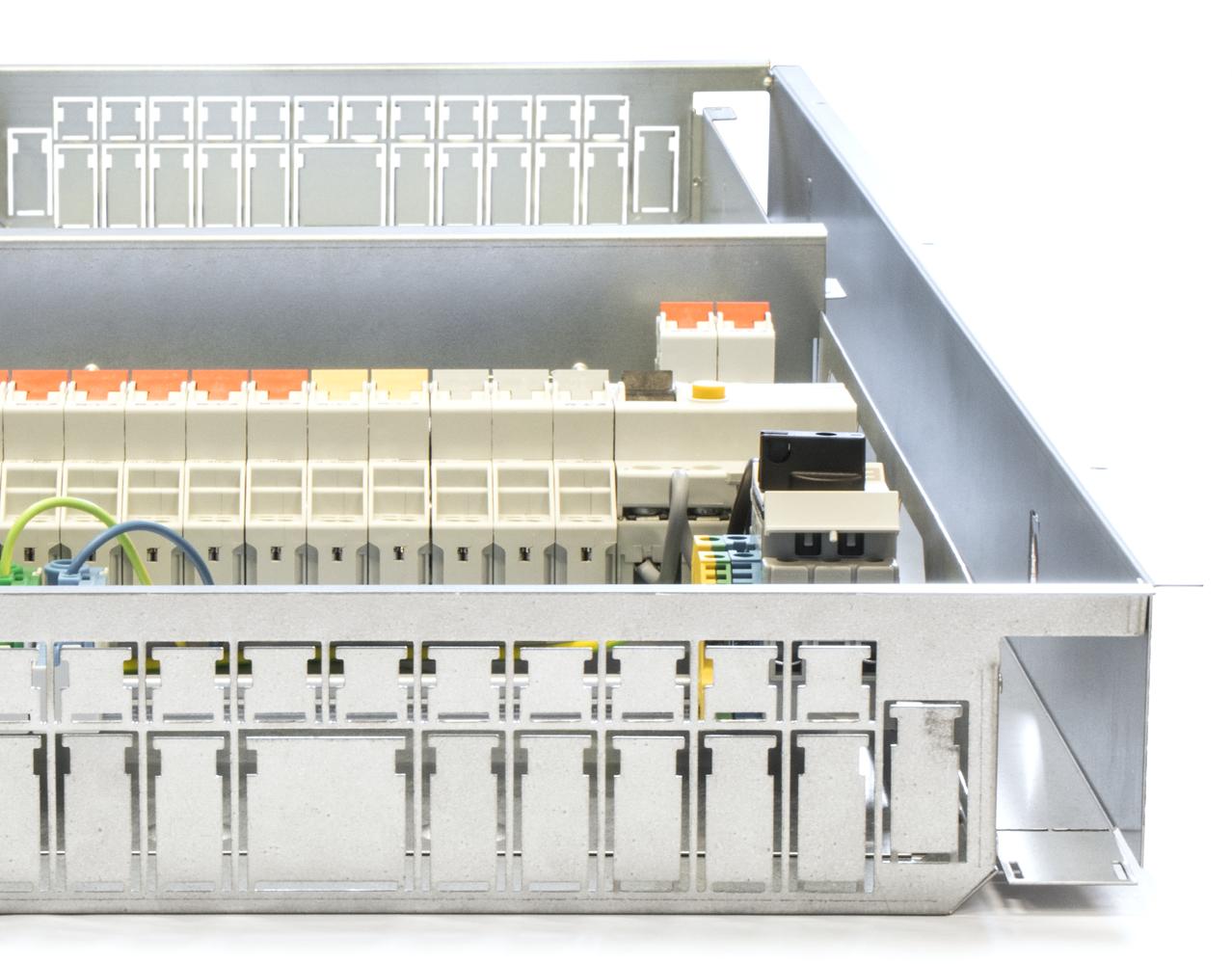 Närbild på lägenhetscentralen och multimediacentralen Power&Network Cabinet